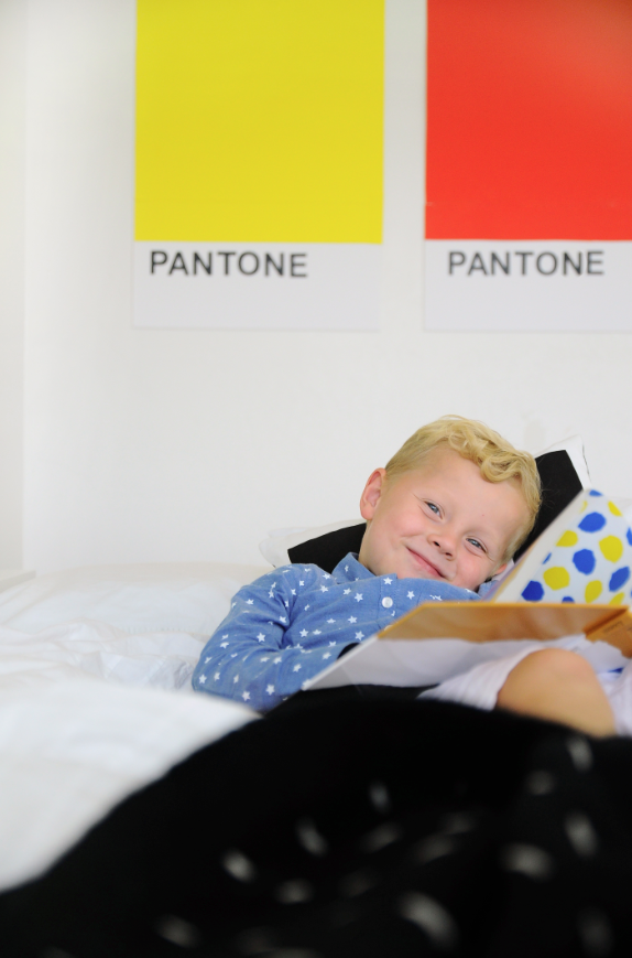 Make your own giant Pantone Color Swatch