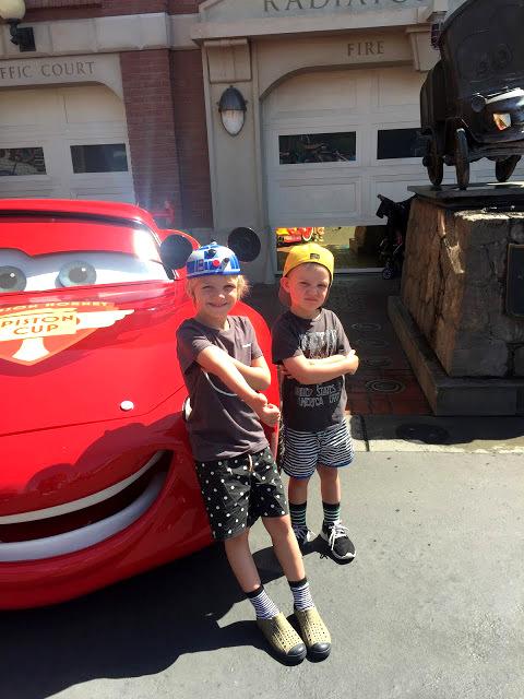 Disneyland $2000 pacakage giveaway