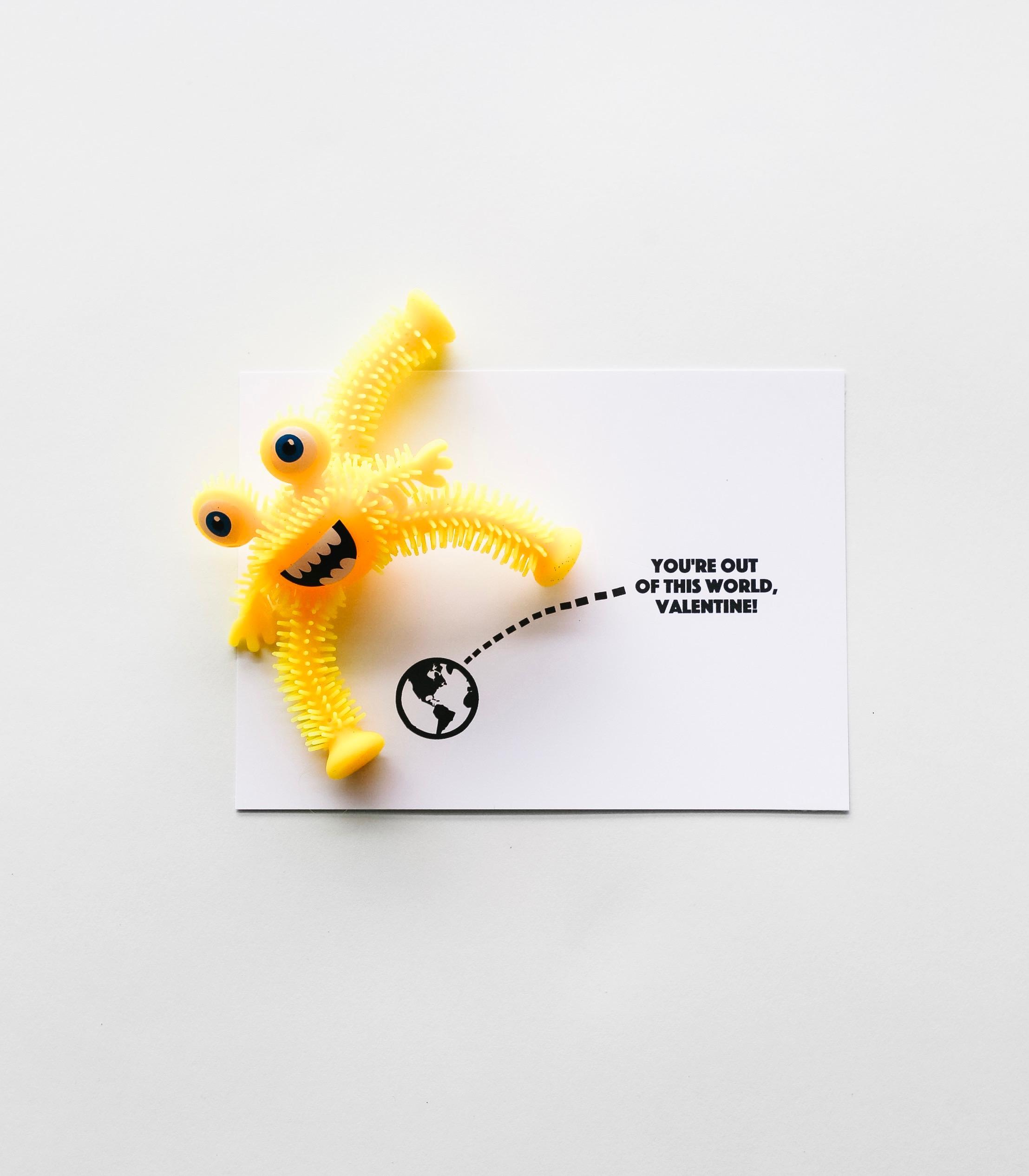 Alien Valentine || No Candy Valentine Printables